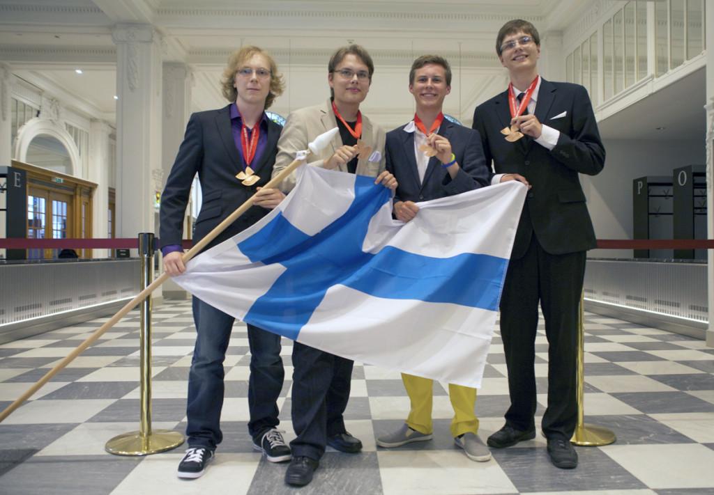 Suomen menestyjäjoukkue vasemmalta: Tarmo Nurmi, Jakke Neiro, Niko Johansson ja Santeri Maatsola. (Public domain)