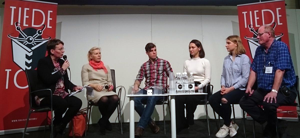 Vasemmalta oikealle: Paula Havaste, Pirjo Hiidenmaa, Eemeli Louhimies, Marina Wels, Adele Tanhuanpää ja Markku Löytönen.